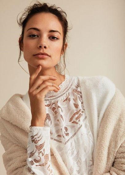 Shop tops & blouses